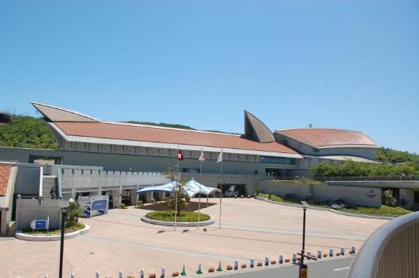 島根県立しまね海洋館アクアスの外観画像