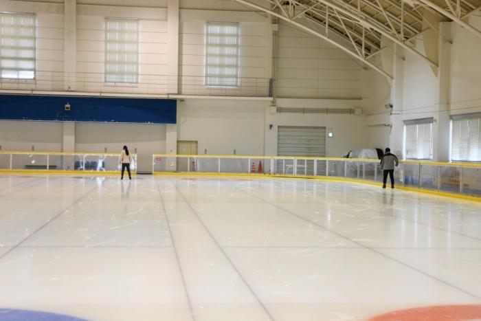 サン・ビレッジ浜田でアイススケート体験
