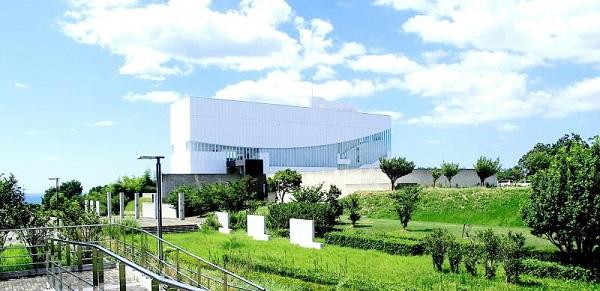 浜田市世界こども美術館の外観画像